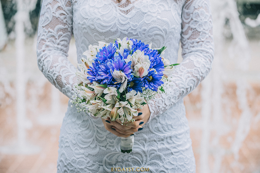 rockville town sqaure elopement, bouquet, blue, white, lilly