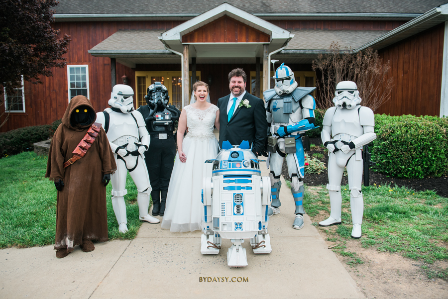 bride and groom with star wars characters R2D2