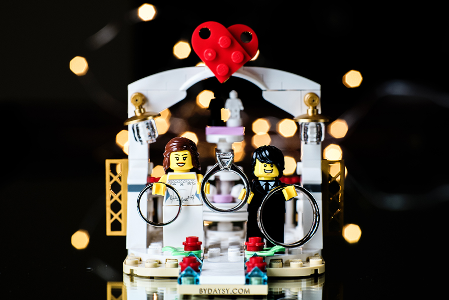 wedding rings on star wars lego people