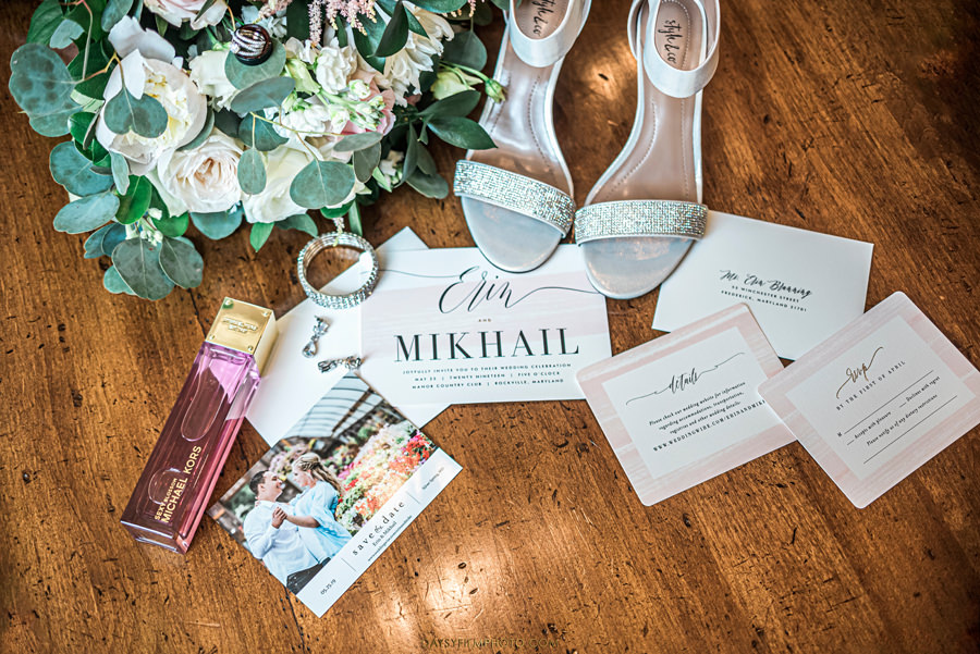 Manor Country Club Spring Wedding details photod