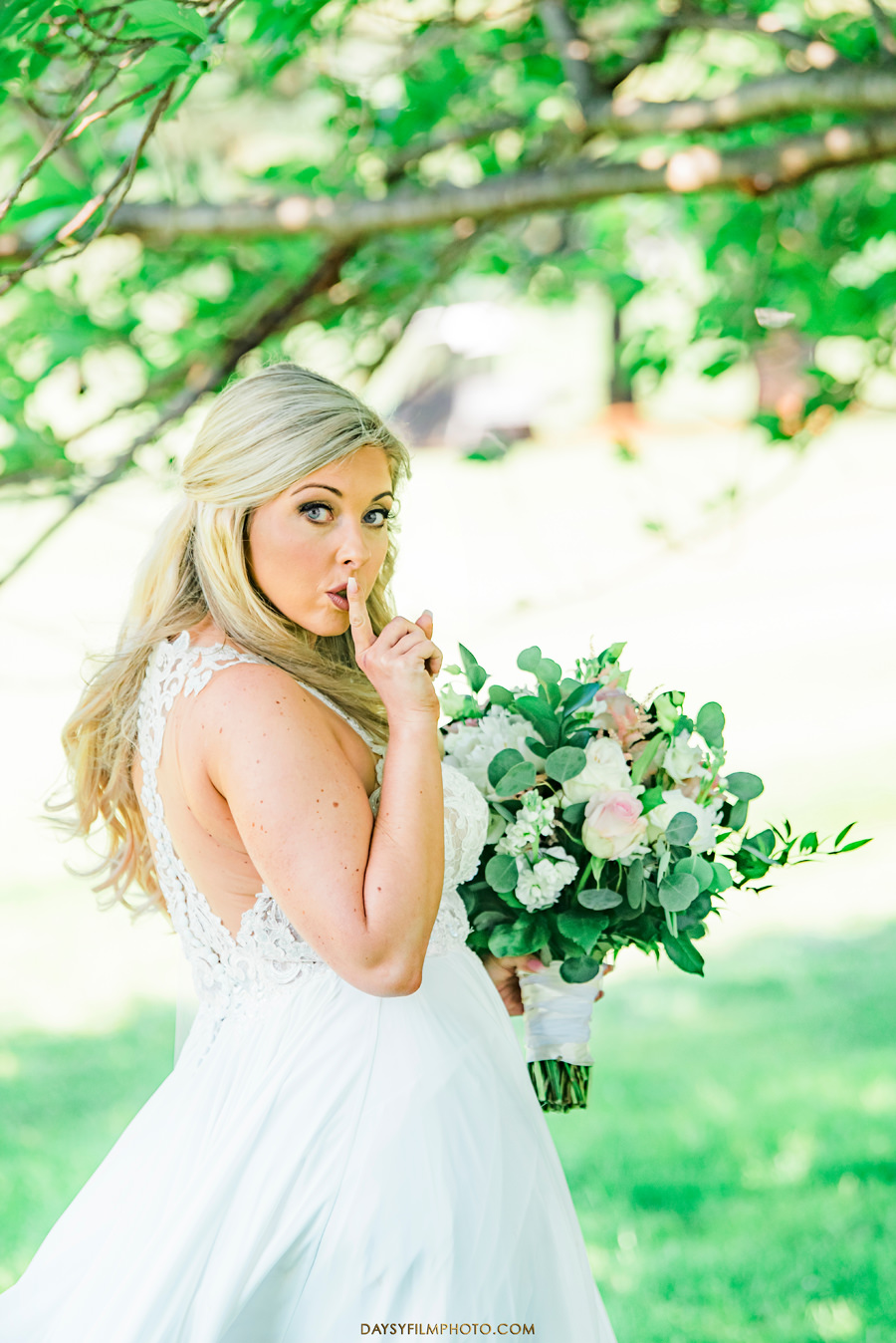 Manor Country Club Spring Wedding bride first look picture
