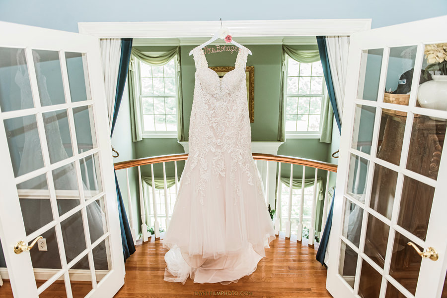 baltimore wedding photographer wedding dress