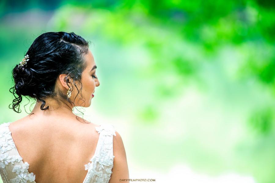 The Woodlands at Algonkian Wedding bride portrait