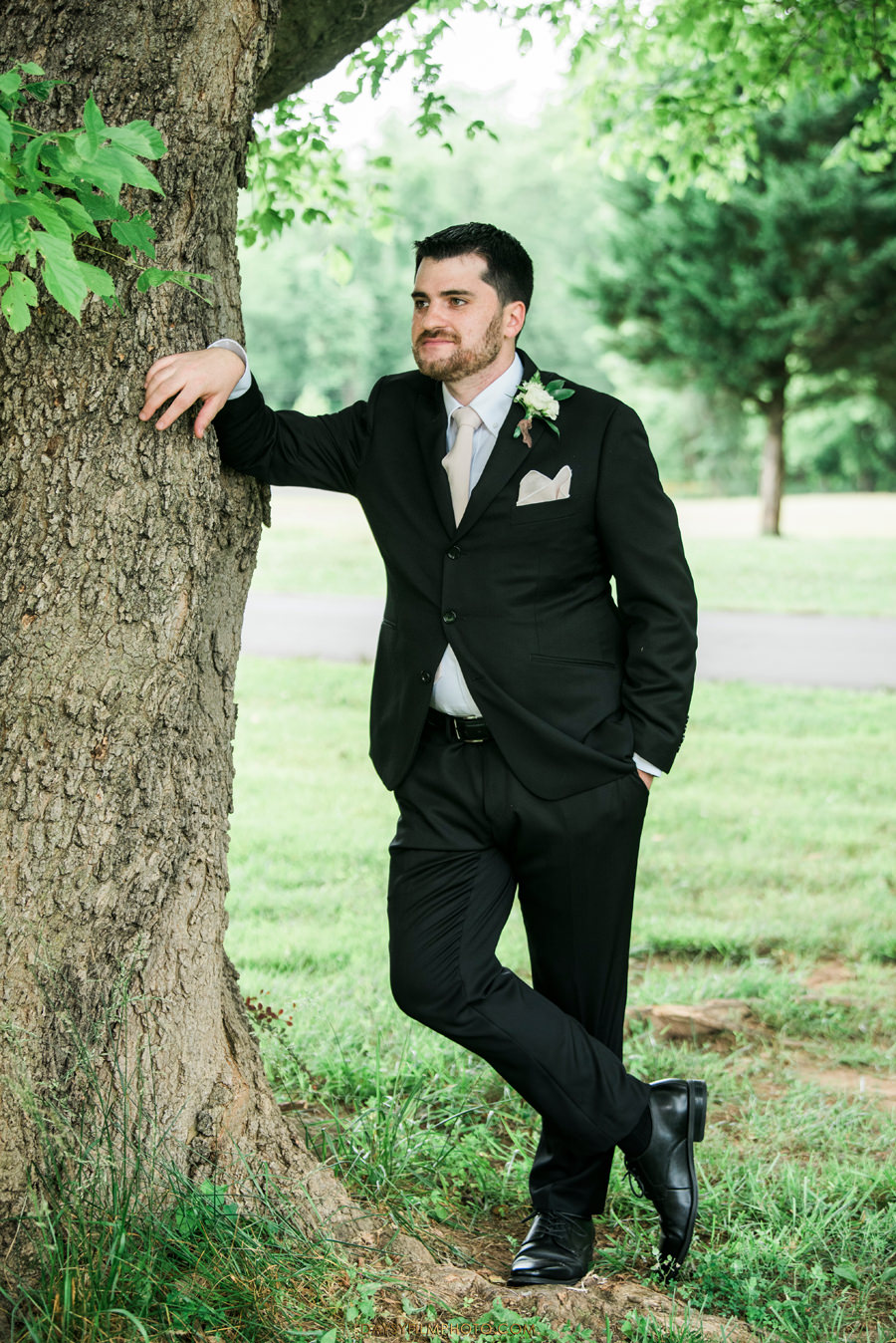 The Woodlands at Algonkian Wedding groom photo