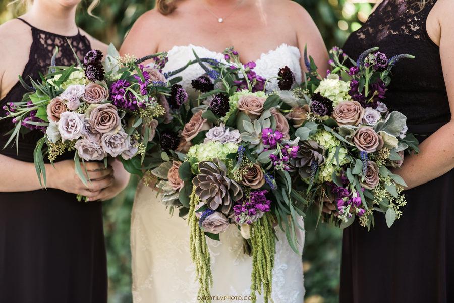 Ann's Garden bride and bridesmaids flowers