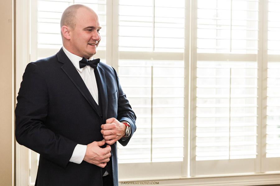 Pittsburgh groom getting ready