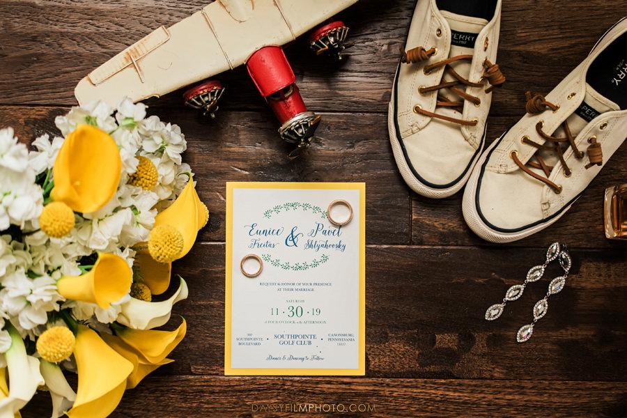 airplane wedding photo details
